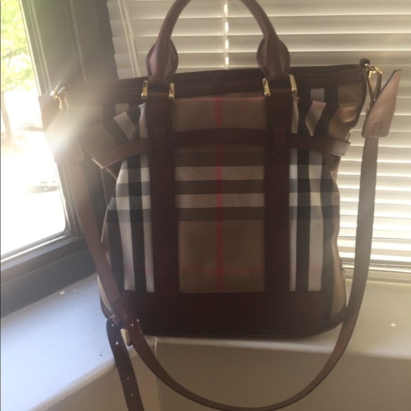 8d4960694593 Burberry Handbags - Burberry Kenny tote